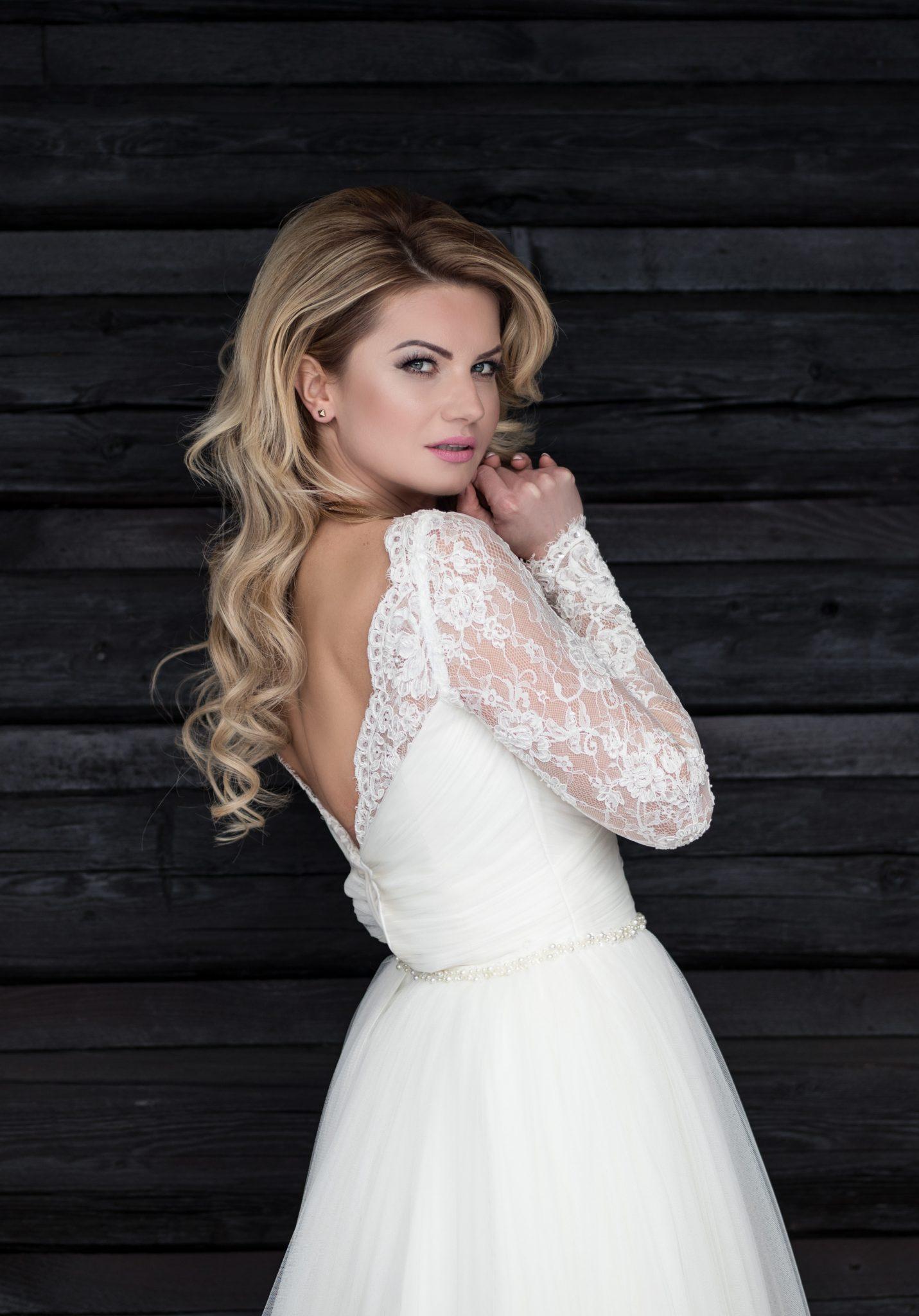 988981ff325d Požičať alebo kúpiť svadobné šaty  - Svadobný salón Star Boutique