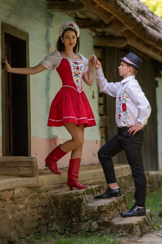 saty na redovy tanec